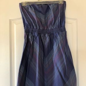 Size M Mossimo strapless summer dress.